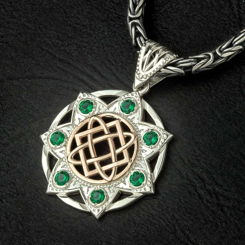 оберег лады богородицы из серебра, золота и драгоценных камней