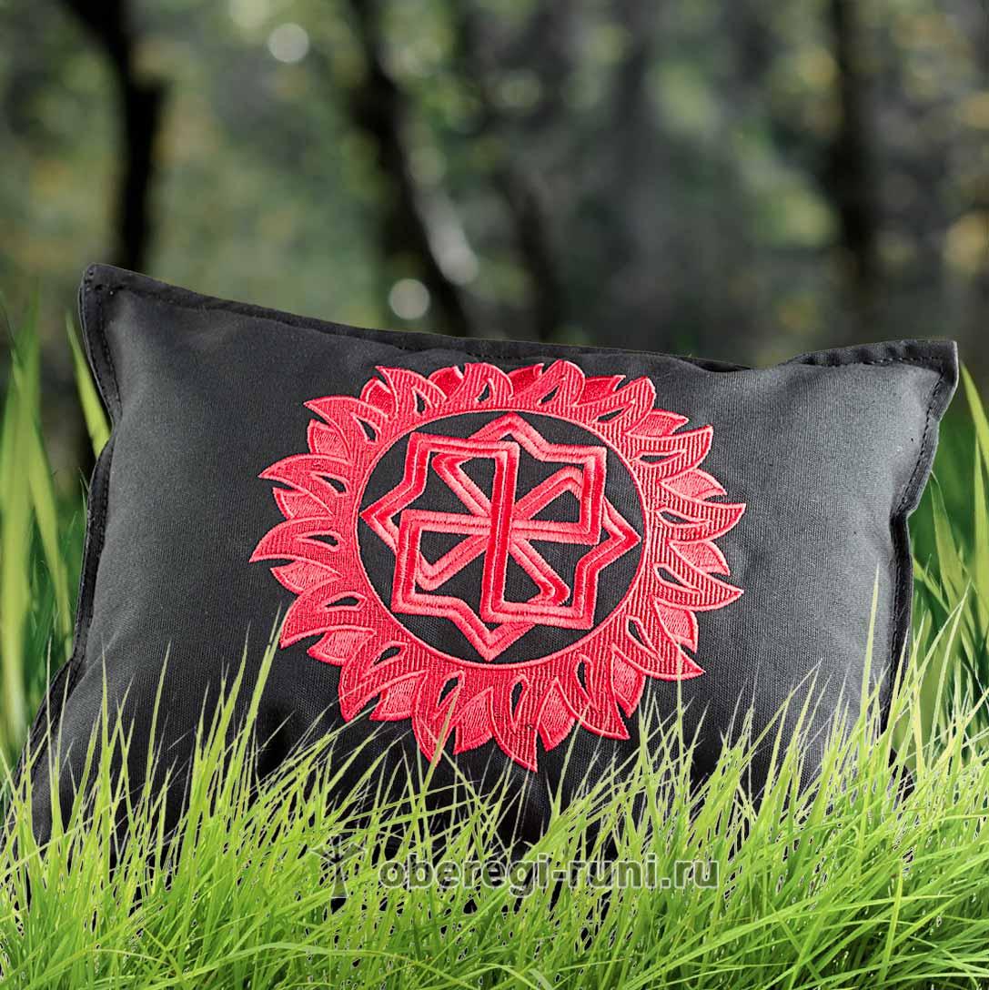 Подушка с вышивкой Молвинец