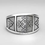 Кольцо Шлем Ужаса Крест Непобедимости, по бокам Валькнут и Трискеле. Серебро